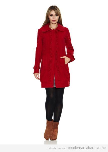 Abrigo rojo cuello bebe, marca Strena barato