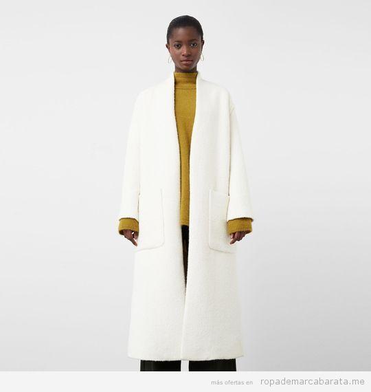 Abrigo marca Mango barato color blanco crudo