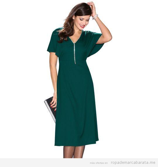 fff7ba6879 También nos ha encamorado este Vestido De Fiesta Con Capelina De Crepe Y  Pedrería Aplicada Verde de la marca Venca. Es realmente elegante y válido  para ...