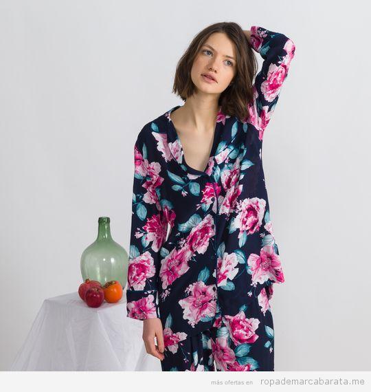 Pijama estampado flores marca Oysho baratos, outlet