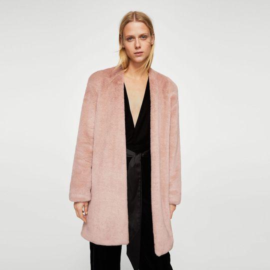 Abrigo rosa marca Mango barato, outlet