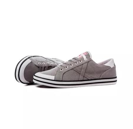 Zapatillas marca Munich mujer grises