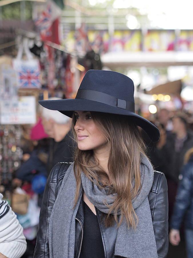 Sombrero fedora de mujer